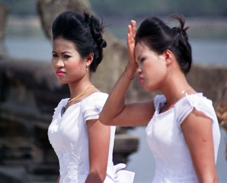 cambodia dating service If you want to meet girls in cambodia you basically have three options option 1: you go in the bars or clubs but more often than never you're likely to run.